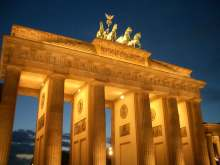 Berlin by Night - Night Run - Start at Brandenburg Gate with Mike and his SightRunning team