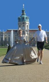 Photo shooting with Rebecca and Mike in the baroque gardens of the Prussian kings residence - Charlottenburg Palace